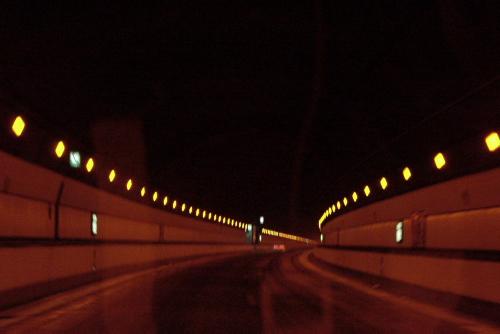 関越のトンネル