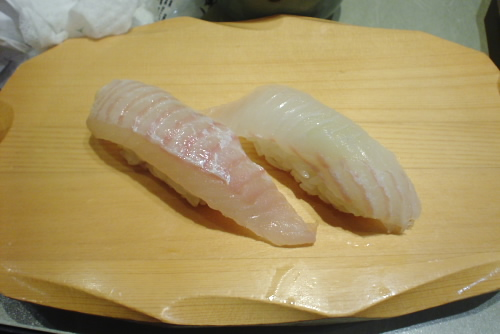 沼津港・魚がし鮨:ひらめ