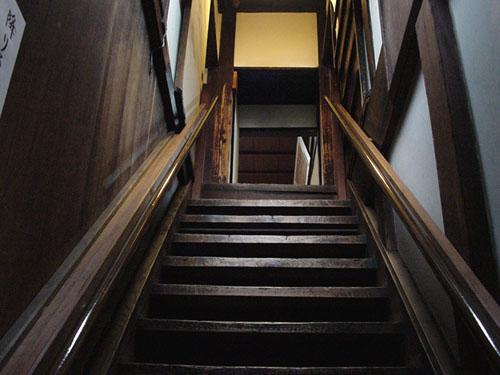 寺田屋:おりょうが駆け上った階段
