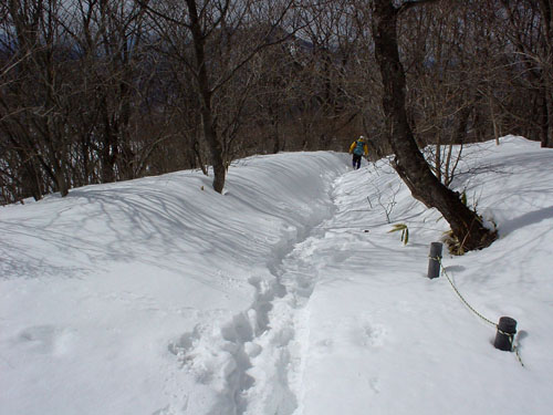榛名富士:登山道は雪に埋もれていた