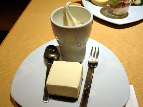 京豆冨 不二乃:豆乳チーズケーキ&豆乳ソフト