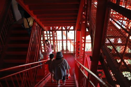 東京タワー 登りより、下りの方がツライ