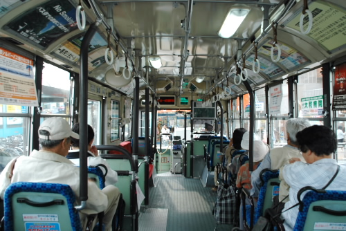 石神井公園からバスで