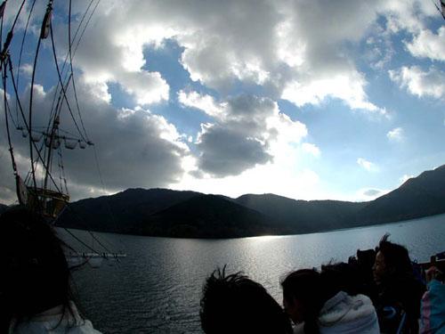 箱根海賊船:芦ノ湖の空