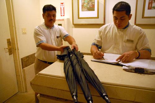 日本語が巧みなホテルマンたち