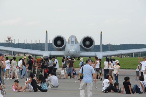 横田基地に戦闘機はないので、これらは外来らしい