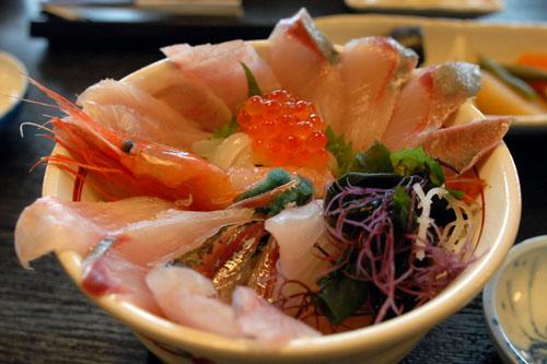 海鮮丼定食(1,560円)