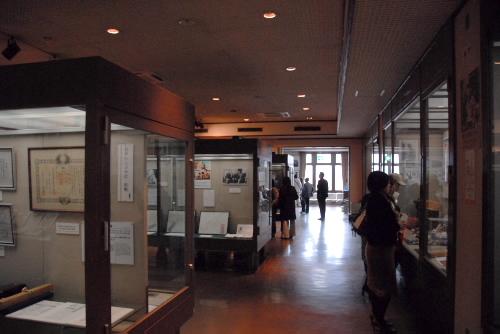 野口英世記念館を見学する