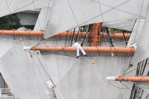 日本丸の総帆展帆と横浜マリタイムミュージアム