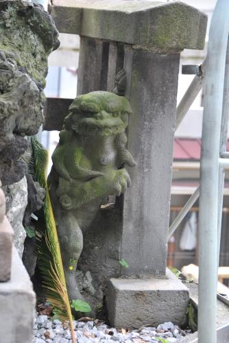 西叶神社の隠れ狛犬