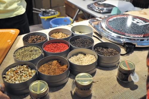 世界の紅茶を飲み比べ - ルピシア グラン・マルシェ