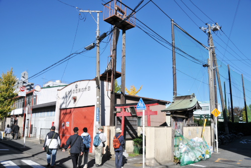 京浜工業地帯発展の歩みを感じる鶴見線ウォーキング