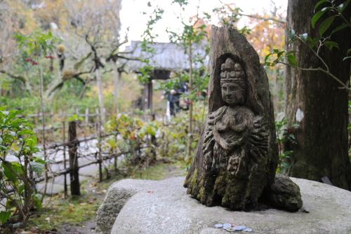 円覚寺:木彫りの仏像
