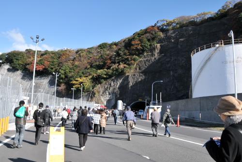 横須賀で、空母に乗ってきた