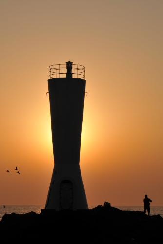 城ヶ島(1):夜明けの安房埼灯台