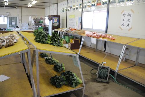 新座市農産物直売組合で野菜を買う