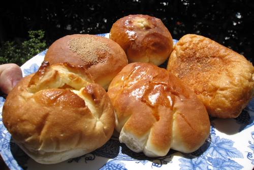 近所のパン屋さん ラ・ボンヌ
