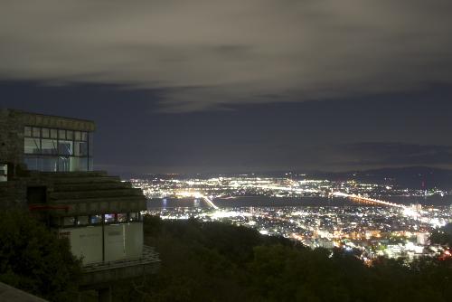 眉山の夜景