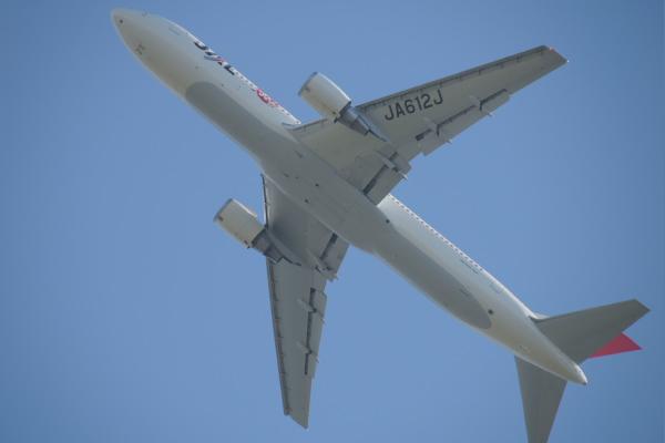 JAL B-763