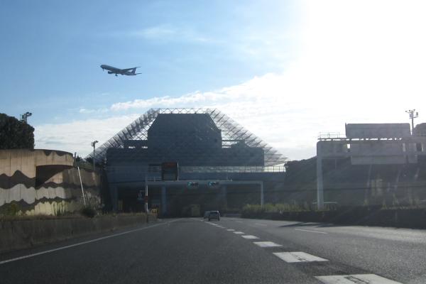 羽田空港から離陸する飛行機