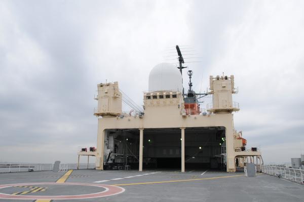 船尾のヘリ甲板