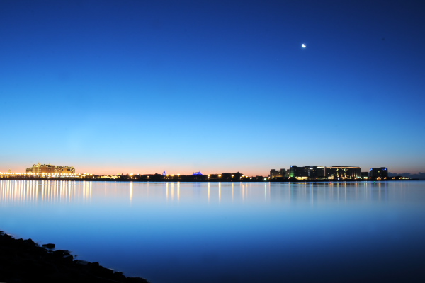 夜明け前のディズニーランド