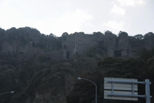 館山道から見る鋸山