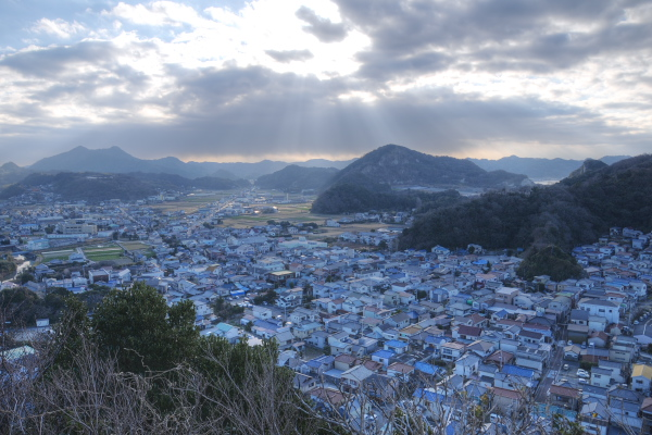 勝山漁港の町並み