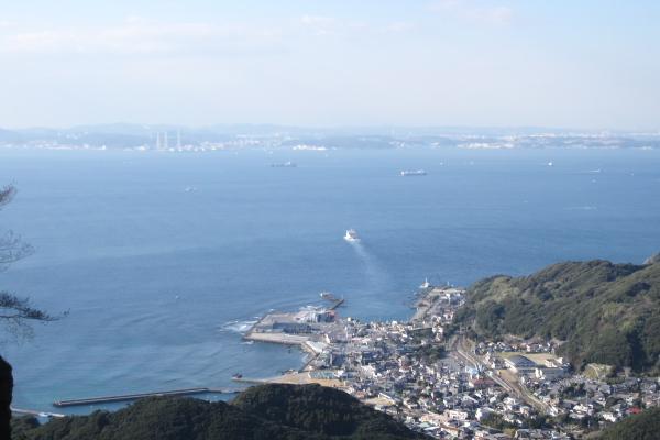 東京湾フェリーが久里浜に渡っていく