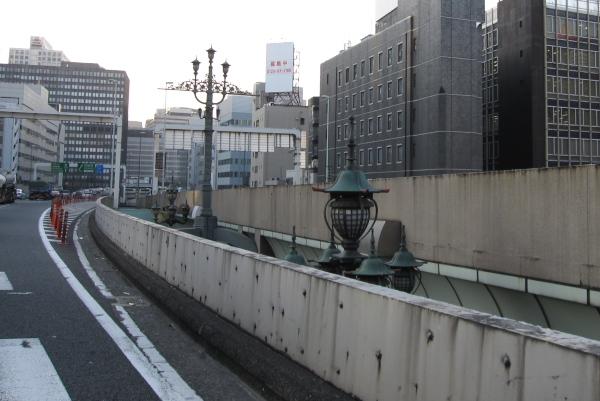 高速道路から見た日本橋