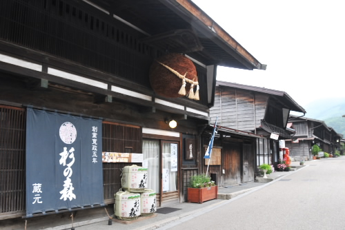 早朝の奈良井宿