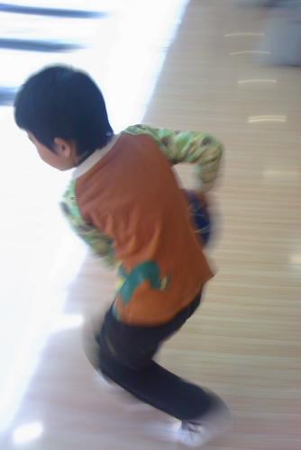 ラウンドワン習志野店で甥っ子とボウリング
