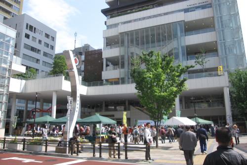 日暮里駅 東口駅前広場