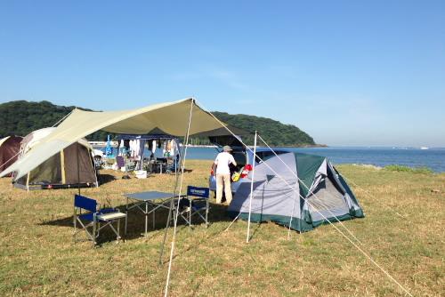 テントとタープを設営