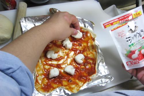 ヒラ家の手抜きピザ