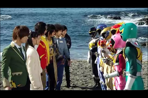 Zyuden Sentai Kyoryuger Returns: Hundred Years After