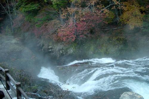 竜頭の滝、湯ノ湖