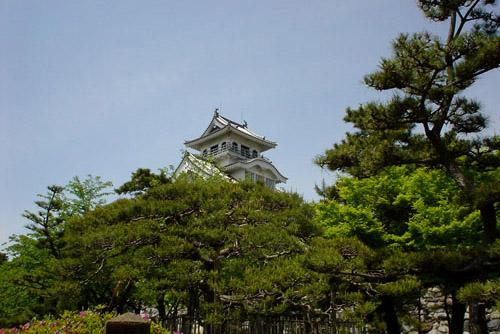 長浜城歴史博物館 / 湖畔の城