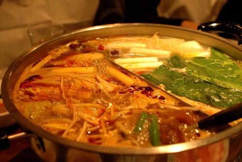 天丹 / 火鍋はペインな味わい
