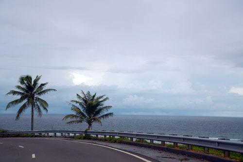 グアム島の南側 / 島を駆け抜けろ