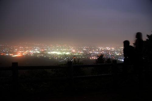 二上山・城山公園 / 霧に包まれた夜景