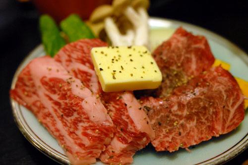 新橋亭 / 飛騨牛と鮎を食べる