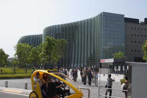 国立新美術館 / 建物が1つの作品