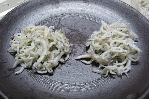 鎌倉ひもの「魚三」 / 釜揚げシラス比べ