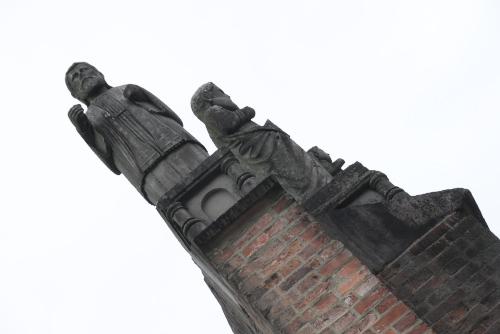 原爆落下中心地地区・祈りのゾーン / 原爆落下中心碑と浦上天主堂遺壁