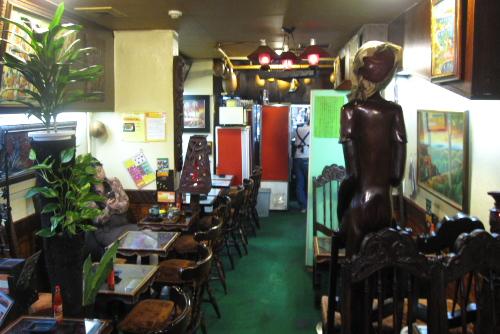 カフェ・ハイチ 新宿本店 / はじめてのハイチ料理
