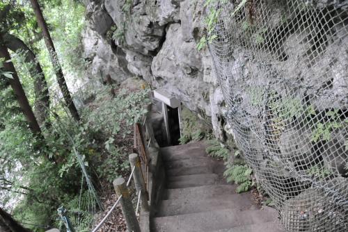 橋立鍾乳洞 / 竪穴体験