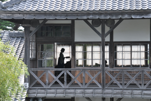 旧登米高等尋常小学校(教育資料館) / 真夏の木造校舎