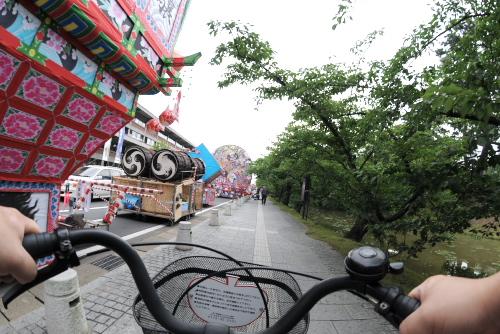 自転車で弘前城へ