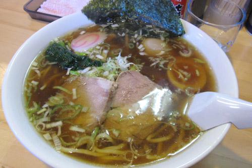 成田市公設地方卸売市場で食べる朝市ラーメン